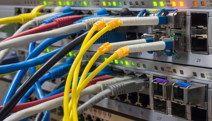 رک در تجهیزات شبکه